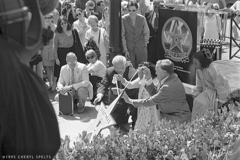 Tyne Daly pulling the cover off her star! // Photo: Cheryl Spelts