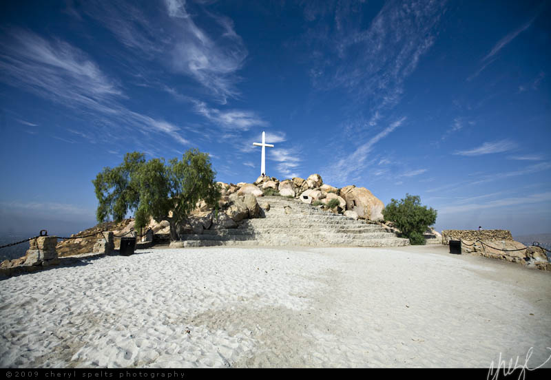 Cross on Mount Rubidoux // Photo: Cheryl Spelts